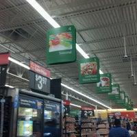 Das Foto wurde bei Walmart Supercenter von Mayra C. am 8/5/2012 aufgenommen