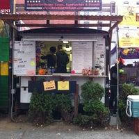 Photo prise au D.C. Vegetarian par Khris S. le10/28/2011