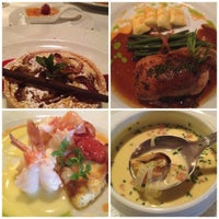 Foto tirada no(a) Refectory Restaurant and Bistro por Jayna W. em 6/2/2012