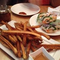 Foto scattata a Blue Hen Vietnamese Kitchen da Bryan G. il 1/16/2012