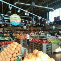 Das Foto wurde bei Whole Foods Market von Sam Y. am 5/19/2012 aufgenommen