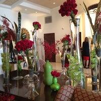 Снимок сделан в Montage Beverly Hills пользователем Naureen K. 5/2/2012