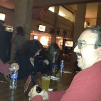 Photo prise au Black Olive Sports Bar par David A. le11/5/2011