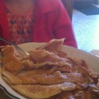 Das Foto wurde bei Sulimay's Restaurant von Rich F. am 6/3/2012 aufgenommen
