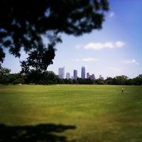 Foto scattata a Zilker Park da Myles W. il 8/4/2012