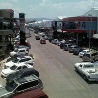 รูปภาพถ่ายที่ MULZA Outlet del Calzado โดย Meju B. เมื่อ 6/3/2012