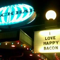 รูปภาพถ่ายที่ Snack Bar โดย Chrystal D. เมื่อ 1/6/2012