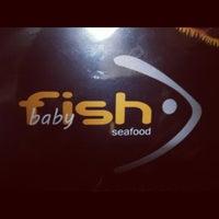 Foto scattata a Mariscos Baby Fish da Pao P. il 7/1/2012