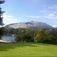Foto tomada en Stone Mountain Park por Paul T. el 10/18/2011