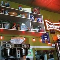 3/18/2012에 Frankie N.님이 Kitsch'n on Roscoe에서 찍은 사진