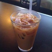 Das Foto wurde bei Drunken Monkey Coffee Bar von Socrates P. am 11/25/2011 aufgenommen