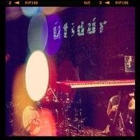 Das Foto wurde bei Gladstone Hotel von Sean am 6/16/2012 aufgenommen