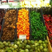 รูปภาพถ่ายที่ Coffee Bar @ Whole Foods Market โดย Kurt P. เมื่อ 11/23/2011
