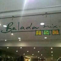 Foto tirada no(a) Balada Mix por Davi M. em 4/1/2012