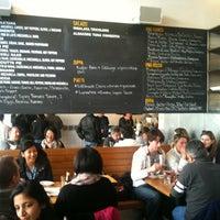 Foto scattata a Pizzeria Delfina da Eun-Gyu K. il 2/20/2011