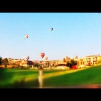Photo prise au Tourist Hotels & Resorts Cappadocia par Merih A. le8/13/2012