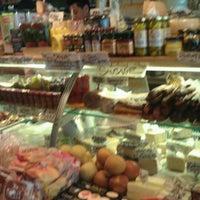 9/3/2011 tarihinde Matthew P.ziyaretçi tarafından Monica's Mercato'de çekilen fotoğraf