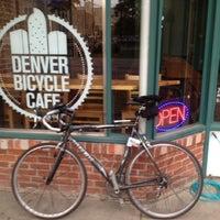 8/7/2012 tarihinde Tim J.ziyaretçi tarafından Denver Bicycle Cafe'de çekilen fotoğraf