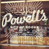 Photo prise au Powell's City of Books par Matthew L. le9/8/2012
