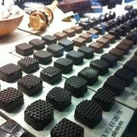 Photo prise au SOMA chocolatemaker par Karim R. le7/13/2012