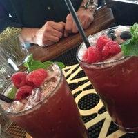 7/30/2012 tarihinde kat b.ziyaretçi tarafından Marigny Brasserie'de çekilen fotoğraf
