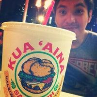Foto tomada en Kua'āina Sandwich por chris a. el 2/26/2012