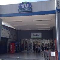 Foto diambil di Tienda UNAM oleh America S. pada 7/31/2012