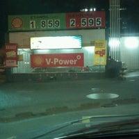 Foto tirada no(a) Posto Wap (Shell) por #TIM BETA M. em 6/12/2012