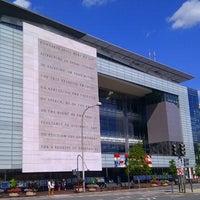 Foto tomada en Newseum por kyora el 9/9/2012