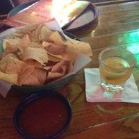 Foto tomada en La Parrilla Mexican Restaurant por Kali J. el 8/4/2012