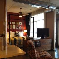4/11/2012 tarihinde Taly O.ziyaretçi tarafından The Redbury'de çekilen fotoğraf