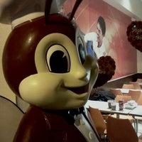 2/2/2012 tarihinde Alexander D.ziyaretçi tarafından Jollibee'de çekilen fotoğraf