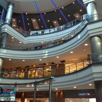 รูปภาพถ่ายที่ Cepa โดย Merve M. เมื่อ 8/14/2012