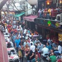 Foto tirada no(a) Aslanım Bar & Bira Evi & Restaurant por Caner Ü. em 8/20/2012
