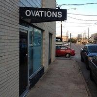 Foto tomada en Ovations por Henry D. el 8/27/2012