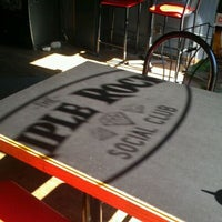 Foto tirada no(a) Triple Rock Social Club por Dawn P. em 6/1/2012