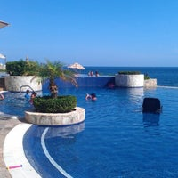 Foto scattata a Hacienda Encantada Resort & Residences da Jennifer il 8/4/2012