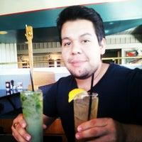 Снимок сделан в Newport Bay Restaurant пользователем Christian L. 8/5/2012