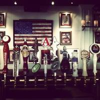 Das Foto wurde bei American Social von Rick M. am 6/21/2012 aufgenommen