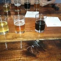 รูปภาพถ่ายที่ TRVE Brewing Co. โดย amanda เมื่อ 6/27/2012