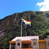 Foto tomada en Plaza de Armas de Aguas Calientes por Camilla M. el 4/16/2012