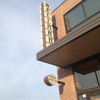 Снимок сделан в Wellman's Pub & Rooftop пользователем Joe B. 3/6/2012