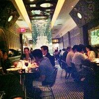 Foto diambil di Room Service oleh Mariana F. pada 5/24/2012