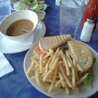 Foto tomada en Jackson's Bar & Bistro por Melissa A. el 7/7/2012