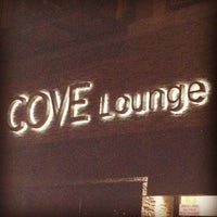 Foto tirada no(a) Cove Lounge por David G. em 8/26/2012