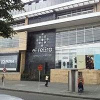 Снимок сделан в Centro Comercial El Retiro пользователем Guido B. 6/14/2012
