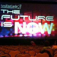 Das Foto wurde bei The Mirage Convention Center von Kelli W. am 6/9/2012 aufgenommen