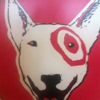 Foto tirada no(a) Target por Warren G. em 4/13/2012