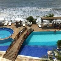 Foto tirada no(a) Ocean Palace Beach Resort & Bungalows por Anderson C. em 3/15/2012