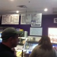 รูปภาพถ่ายที่ Sweet Sammies โดย Jesse J. เมื่อ 3/4/2012